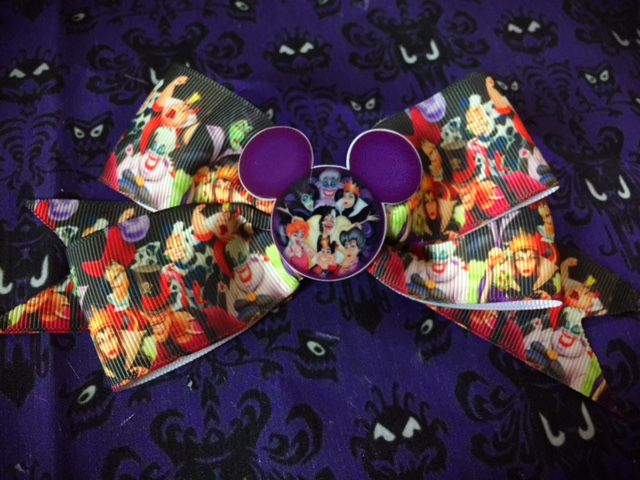 Disney Villains Bow